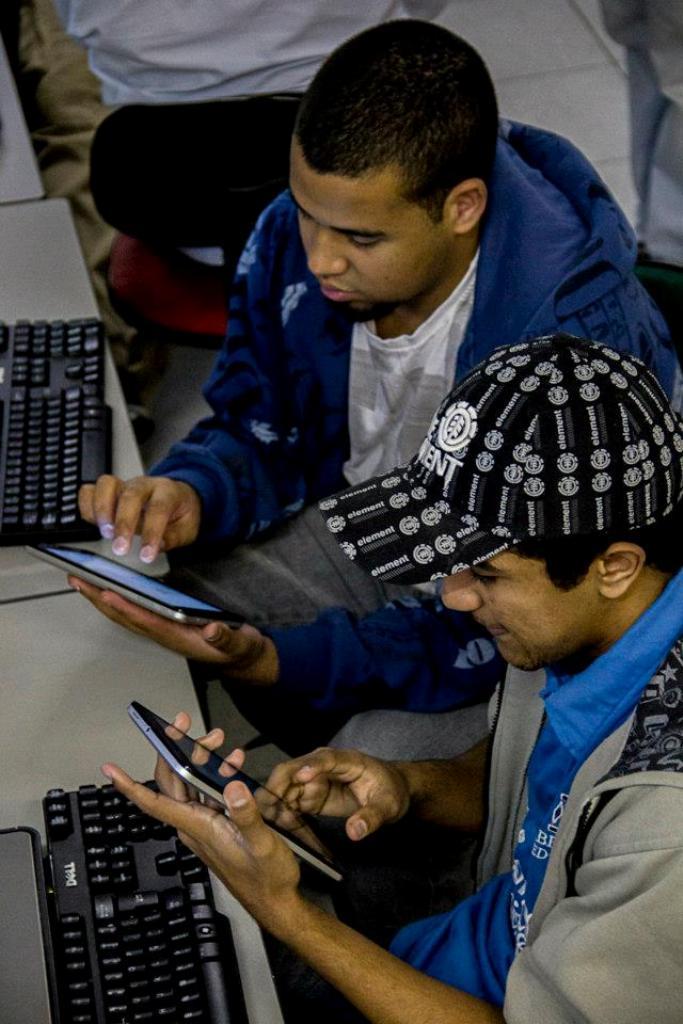 Como parte de un amplio Proyecto de Cualificación Profesional Juvenil, Fundación Telefónica de Brasil ha dado comienzo a un nuevo curso orientado a la inserción de los jóvenes en el mercado de trabajo.