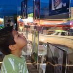 """Fundación Telefónica presentó en El Salvador la muestra fotográfica """"Photovoice sobre Trabajo Infantil""""."""