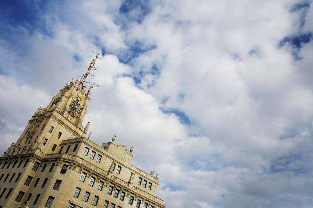 """Con motivo de la celebración de la Semana de la Arquitectura, del 1 al 7 de octubre, Fundación Telefónica organiza la conferencia """"Un rascacielos americano en la Gran Vía""""."""