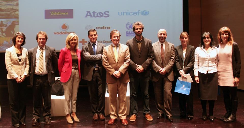 Los participantes en el encuentro celebrado en Alcobendas (Madrid) debatieron sobre el papel de las TIC como herramienta para hacer un mundo mejor.