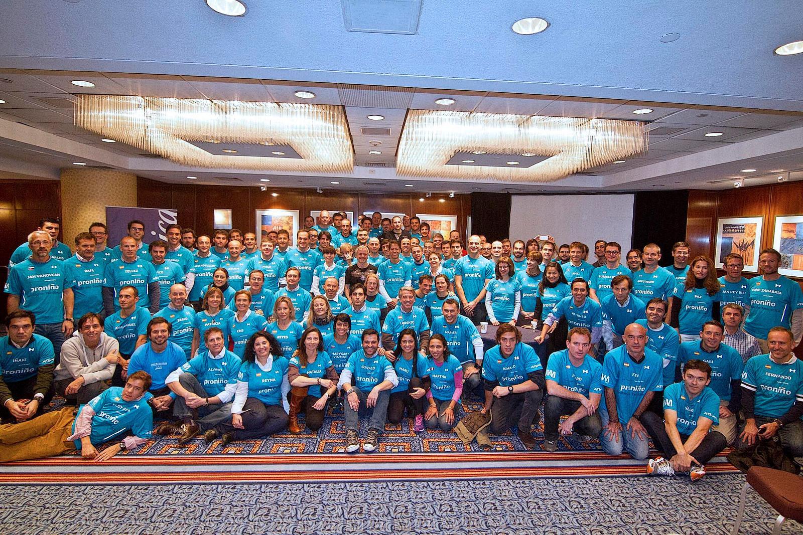 En esta ocasión, el equipo Amigos de Proniño contó con la presencia de 217 corredores, acompañados por familiares y amigos.