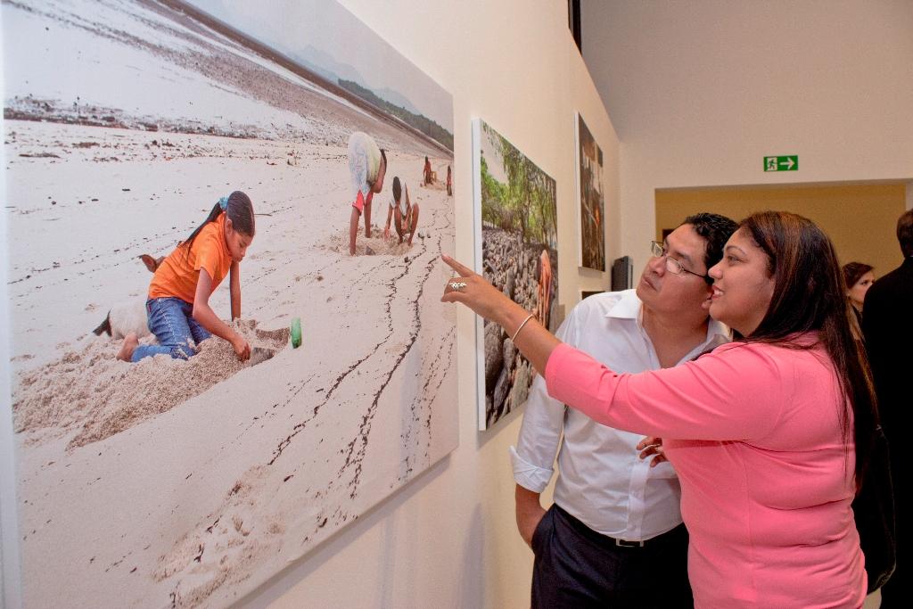 """Una selección de las fotografías  del libro """"La Hora del Recreo"""", que ya fue presentado en varios países de Latinoamérica, se exhibe en el Museo MARTE hasta el próximo enero."""