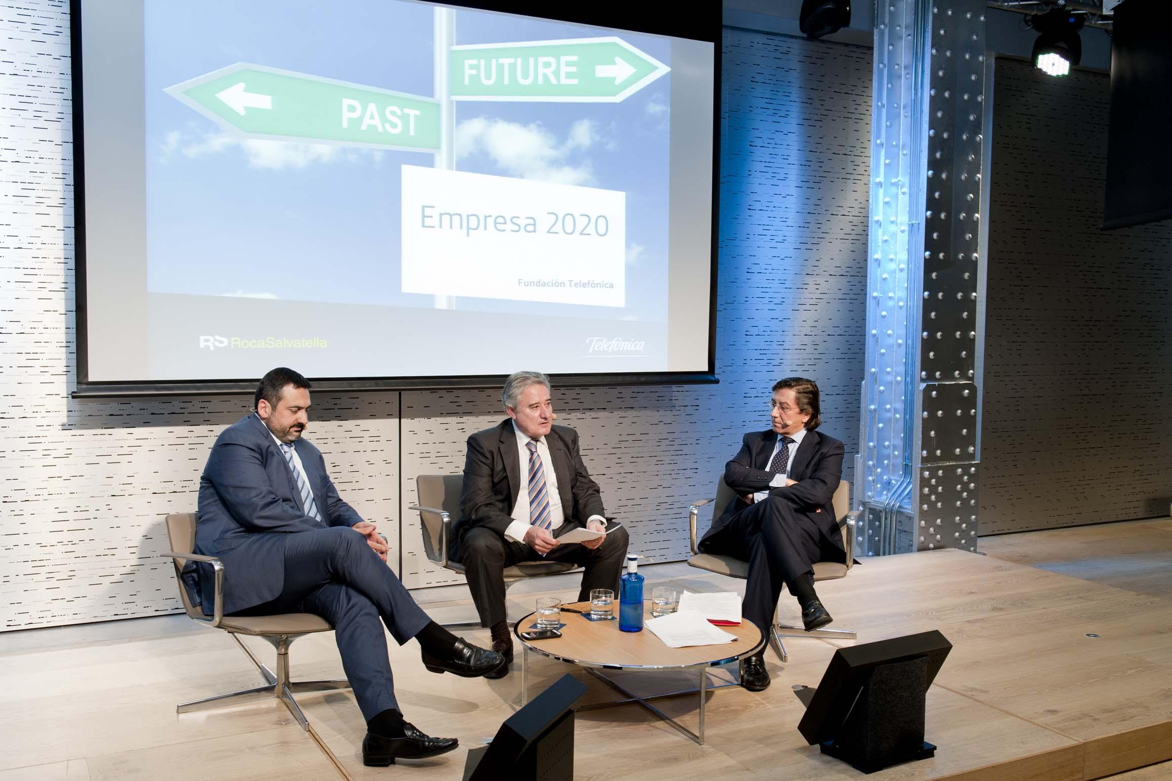 A la ponencia de Genís Roca le siguió una mesa redonda, moderada por el periodista Felix Madero, con el director General de Imagen Corporativa y Marketing Global de Acciona, Pío Cabanillas, y el CEO de Vueling, Alex Cruz.