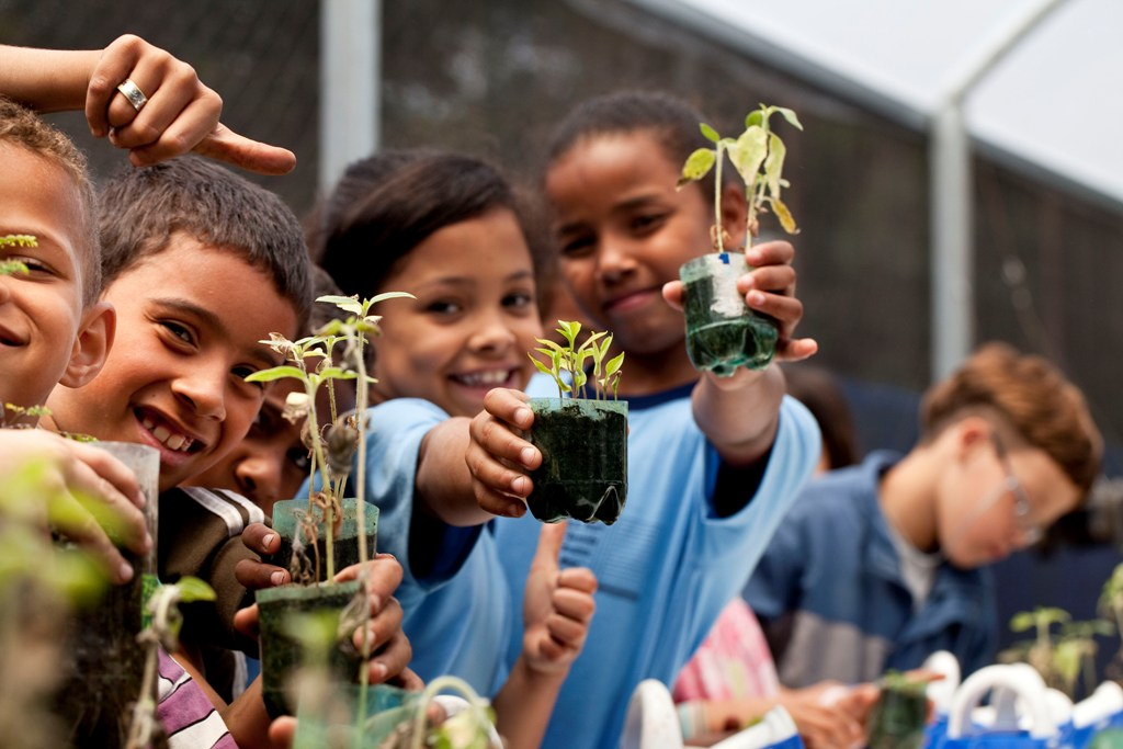 Telefónica ha entregado al Pacto Mundial de Naciones Unidas una nueva guía, elaborada por Movistar y Fundación Telefónica Colombia, para ayudar a las compañías a evaluar y gestionar los impactos del trabajo infantil en sus actividades.