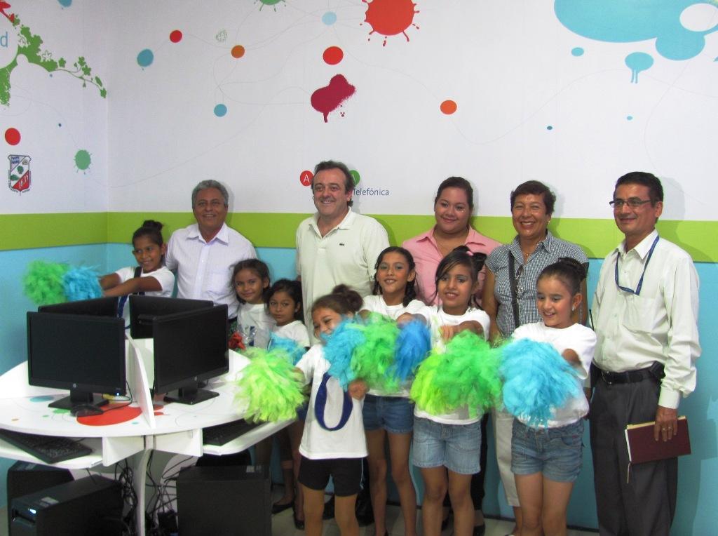 Alcaldía de San Vicente (El Salvador) ya tiene su Aula Fundación Telefónica.