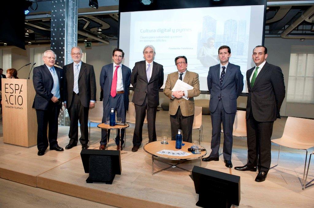 """Participantes en la primera sesión del ciclo """"Cultura digital y pymes""""."""