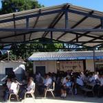 La escuela cuenta actualmente con cinco aulas y en ellas se imparten clases desde nivel parvularia hasta noveno grado.