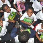 Los alumnos de diversas escuelas Proniño de Petare, Antímano, San Agustín del Sur y Las Mayas, disfrutaron de una mañana cargada de sorpresas y de arte en la sede de Telefónica en Caracas.