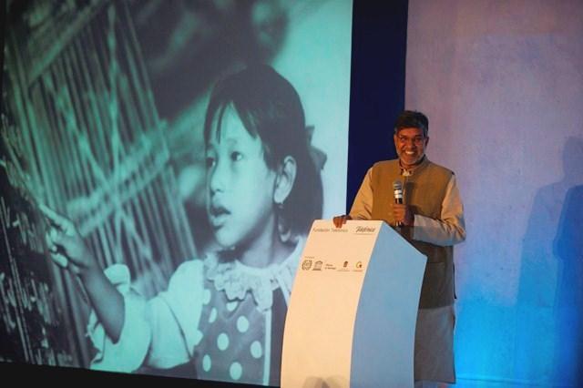Kailash Satyarthi,  fundador del Movimiento Mundial contra el Trabajo Infantil, es uno de los máximos líderes en abolir esta problemática. Fue candidato al Premio Nobel de la Paz y debido a su labor ha recibido diversos reconocimientos.