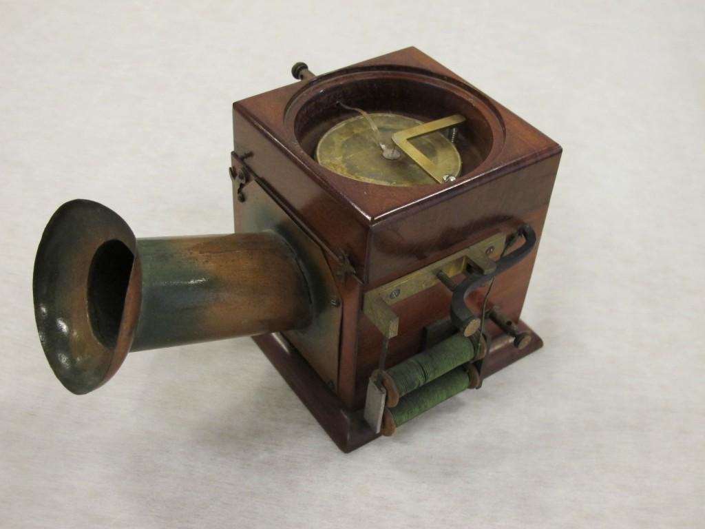 Teléfono de Reis (1864). Original. Museum für Kommunkation (Frankfurt).