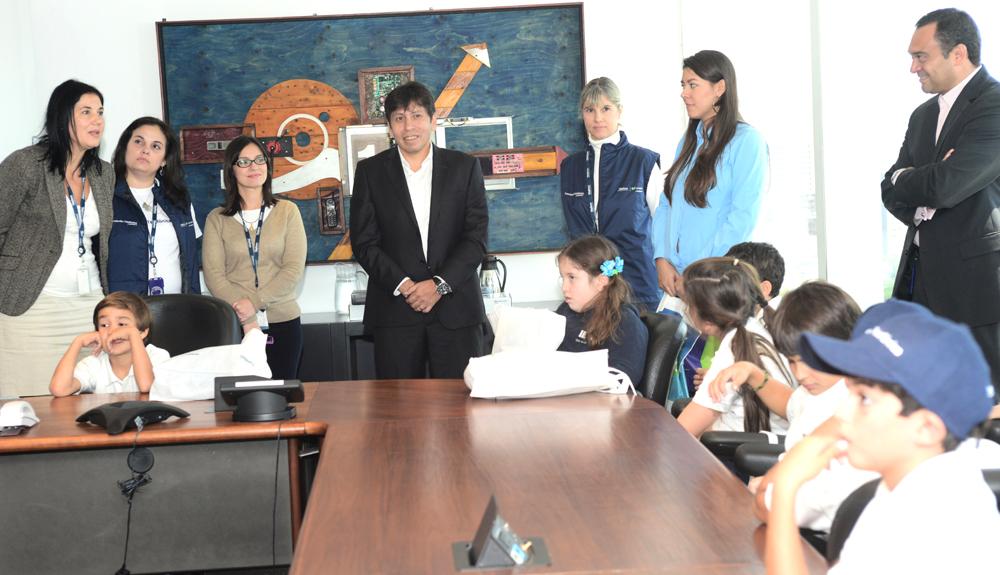 Los alumnos fueron recibidos por el Presidente de Telefónica, Pedro Cortez, en la sala de conferencias de la sede de esta operadora en Caracas.