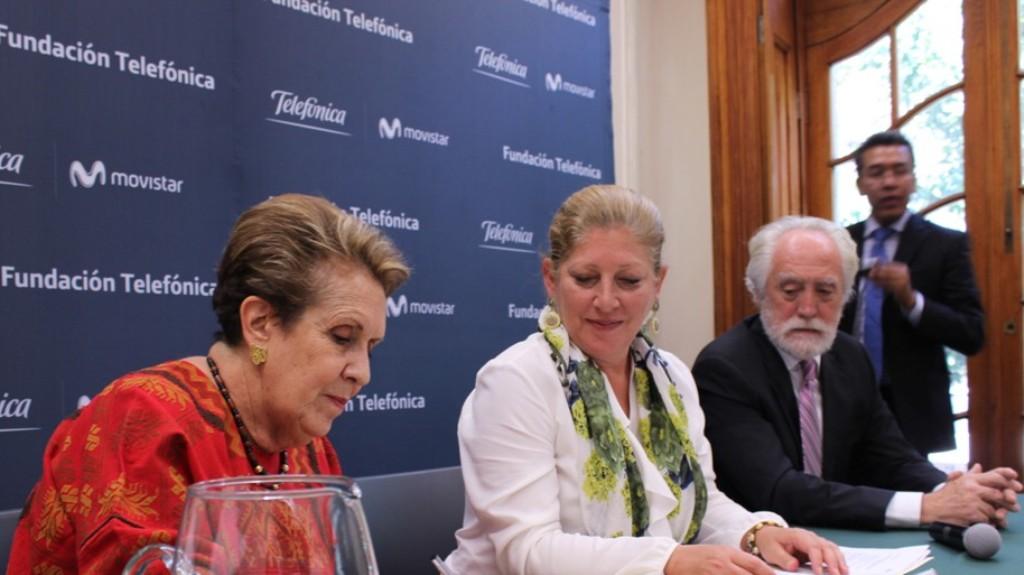 El convenio que hace posible la realización del estudio fue firmado por Giovanna Bruni, directora de Fundación Telefónica México y Carmen Tagüeña Parga, presidenta del Ateneo Español de México.