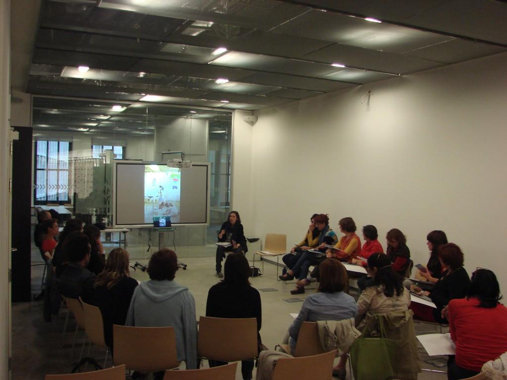 Entre las actividades complementarias a la exposición se encuentra Conecta Profes.