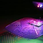 La Exposición plantea un recuento sobre el fenómeno de la óptica y explora su relación con la electricidad y las comunicaciones.