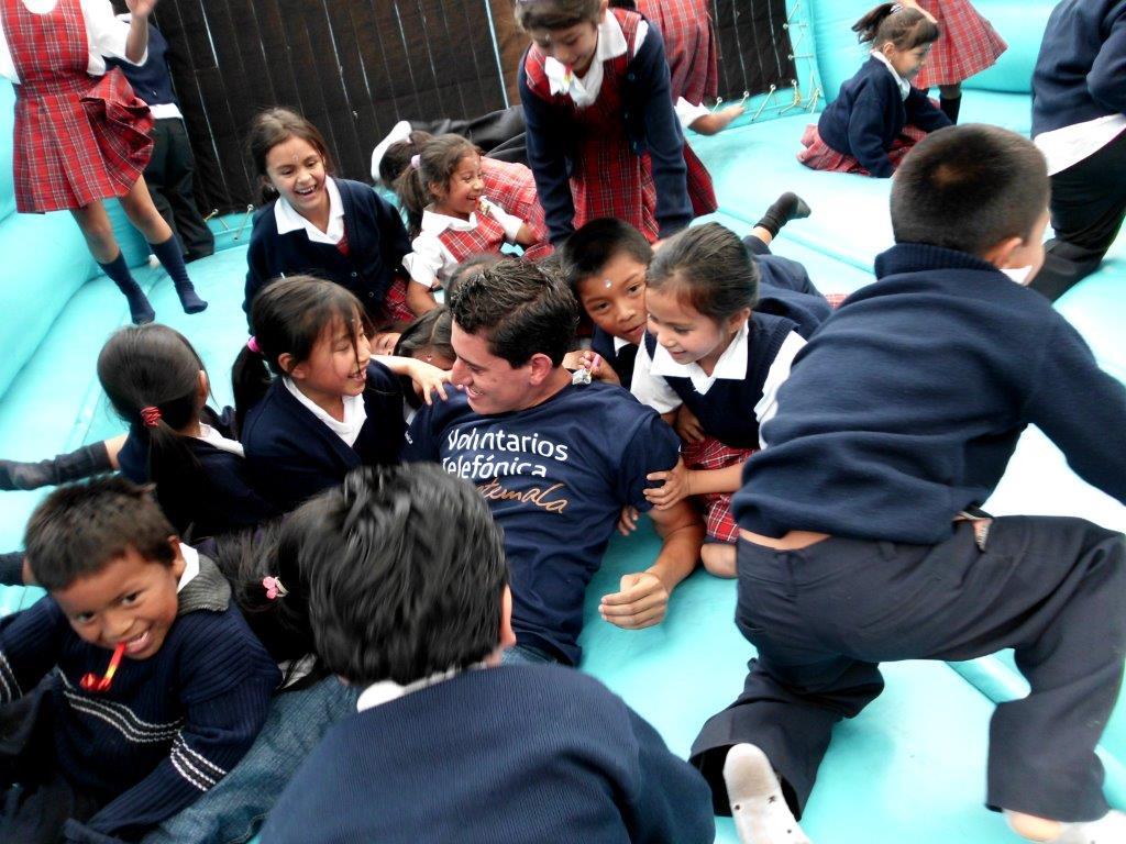 Nuestros Voluntarios en Guatemala compartieron su tiempo con los beneficiarios de Proniño.