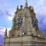 El reloj de Gran Vía se pasa al 'blue light'
