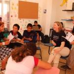 Momentos divertidos entre niños y Voluntarios