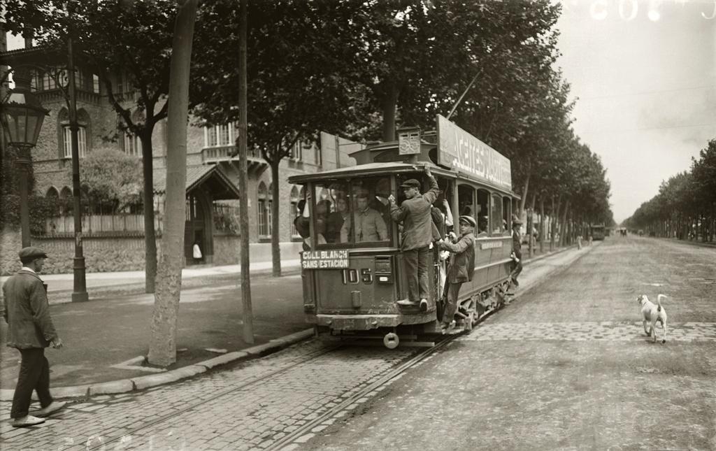 Tranvía de la línea Collblanch-Sants estación. Barcelona, c.1920 © Brangulí / ANC, 2010