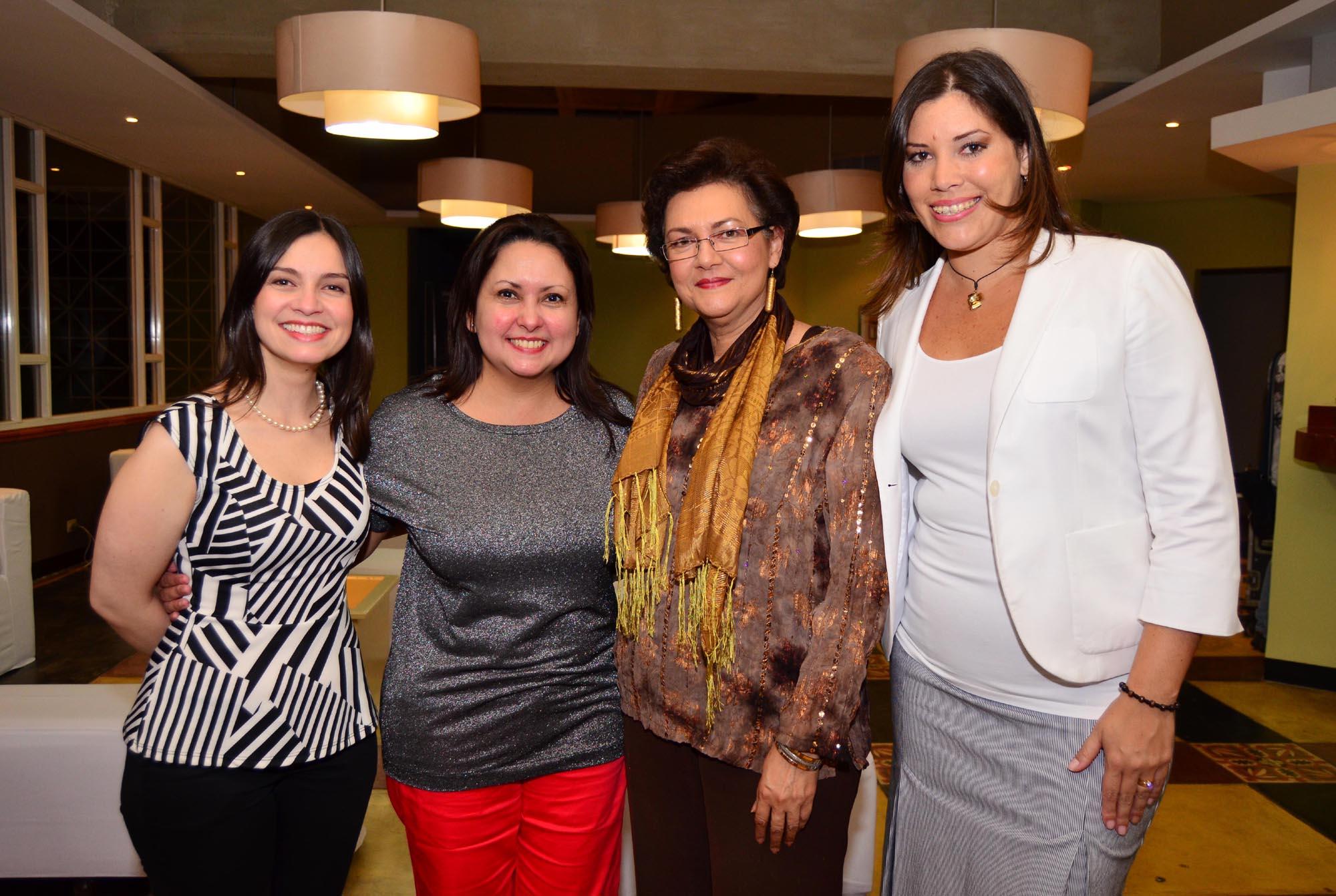 De izquierda a derecha:  Ana Vass y Rosalinda Cabrera de Fundación Telefónica; Lourdes Molero, Directoral del MACZUL y Sara Narváez, de Telefónica.