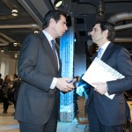 El ministro de Industria, Energía y Turismo, Jose Manuel Soria, charla con Jose María Álvarez-Pallete, consejero delegado de Telefónica.