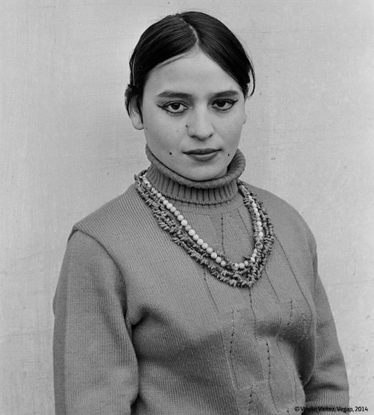 La Hospedería Fonseca reúne una significativa selección de su obra, en la que destacan las fotografías destinadas a los documentos de identidad de la época.