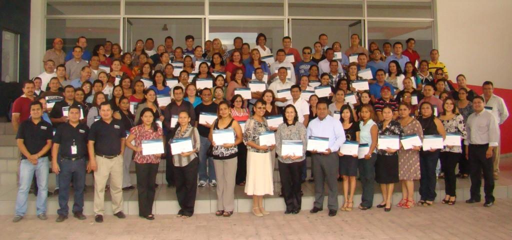 En el curso participaron más de 300 docentes del sistema educativo nacional salvadoreño
