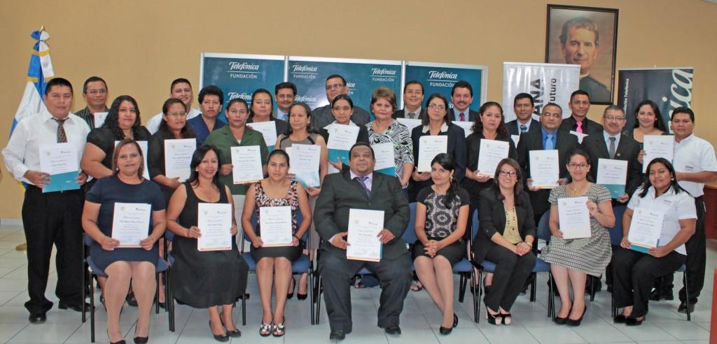 El objetivo del diplomado fue brindar a los docentes nuevos conocimientos a través del modelo de formación virtual.