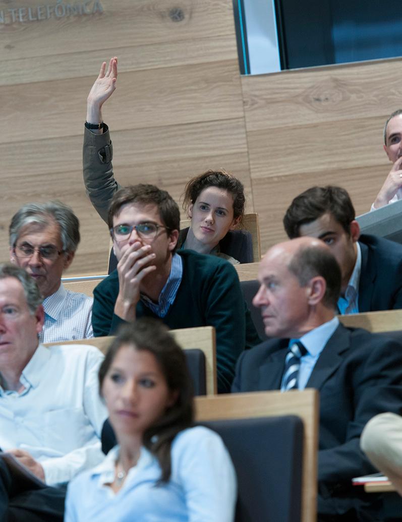 El público se mostró muy participativo durante el debate.