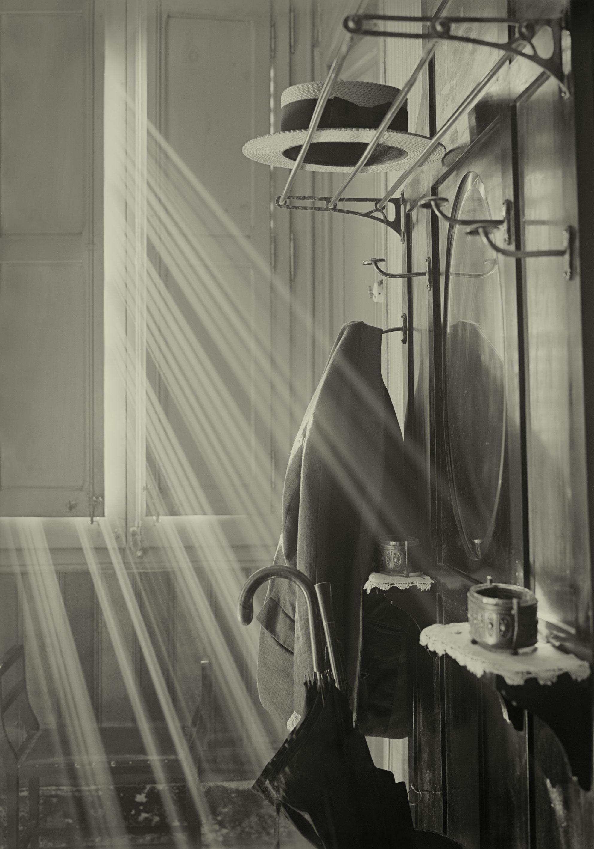Arissa. Perchero y sombrero. 1930-1936