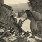 Antoni Arissa. Madre, carro y niño. 1923-1929. Colección Telefónica.