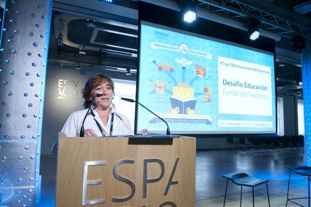 Carmen de la Serna, directora de Proyectos Sociales de Fundación Telefónica, presentadora del evento en Madrid.