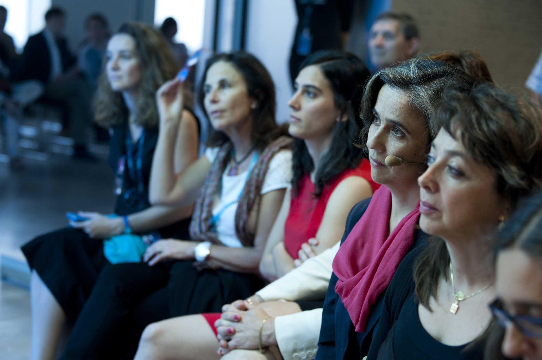 El público siguió con gran interés las explicaciones de los promotores de los proyectos seleccionados