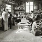 Fábrica de juguetes. Taller de pintura. Barcelona, c.1914 © Brangulí / ANC, 2010
