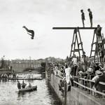Concurso de natación organizado por el Club Natación Barcelona y el Brussels Swimming and Water Polo Club. Puerto de Barcelona, 1913 © Brangulí / ANC, 2010