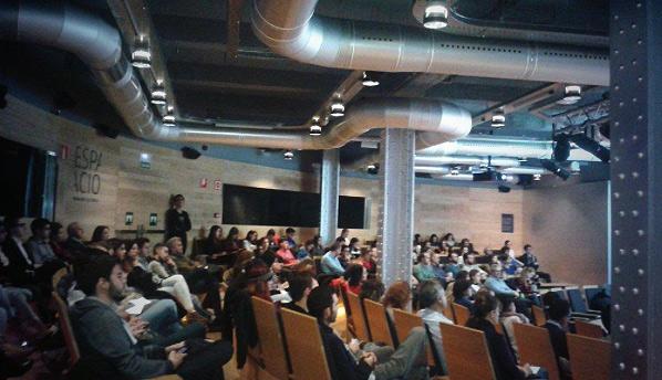 Gran afluencia de público en la tercera sesión del ciclo Jóvenes y Redes