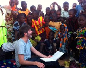 Paco Roca, en las 'Viñetas de vida' de Intermon Oxfam