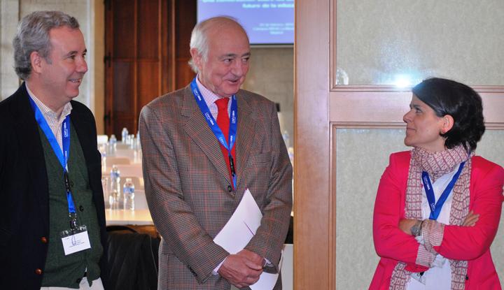 José Mª de Areilza, secretario general de Aspen Institute España, Emlio Gilolmo, vicepte. ejecutivo de Fundación Telefónica, y Ana Sanz de Miera, dra. de Ashoka en España