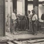 Anónimo, 1927. Obras en el edificio de Gran Vía. 1ª planta. Encofrado de los pisos. Pueden verse las vigas como se ven en el Espacio Fundación Telefónica