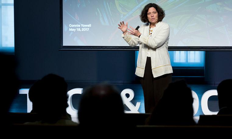 Connie Yowell: El futuro del aprendizaje en la era digital