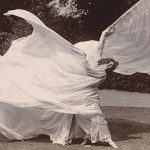 Loie Fuller bailando, c.1900. MET. Gilman Collection, Purchase, Mrs. Walter Annenberg and The Annenberg Foundation Gift, 2005.