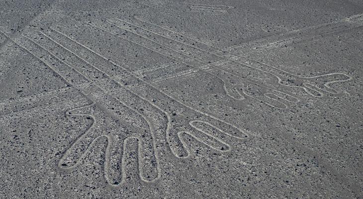 Nasca. Buscando huellas en el desierto