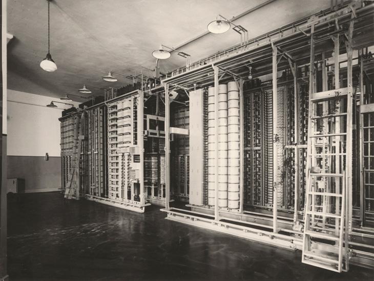 Sánchez, 1928. Central automática en Málaga