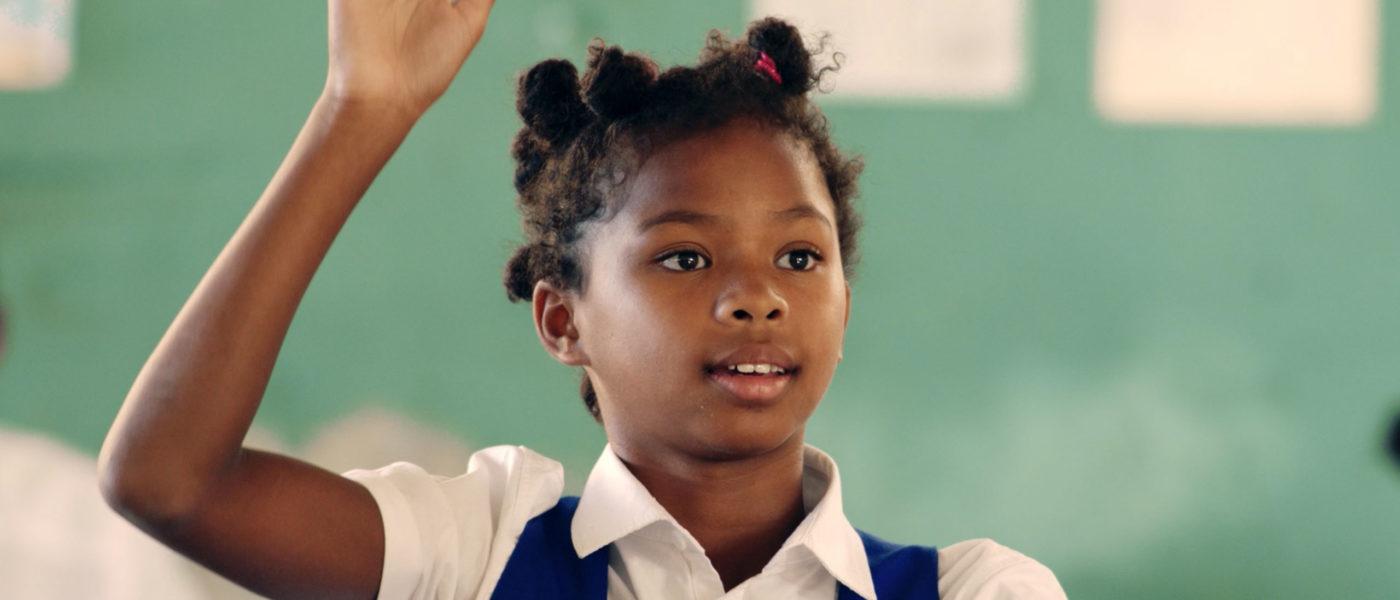 Levanta la mano por la educación
