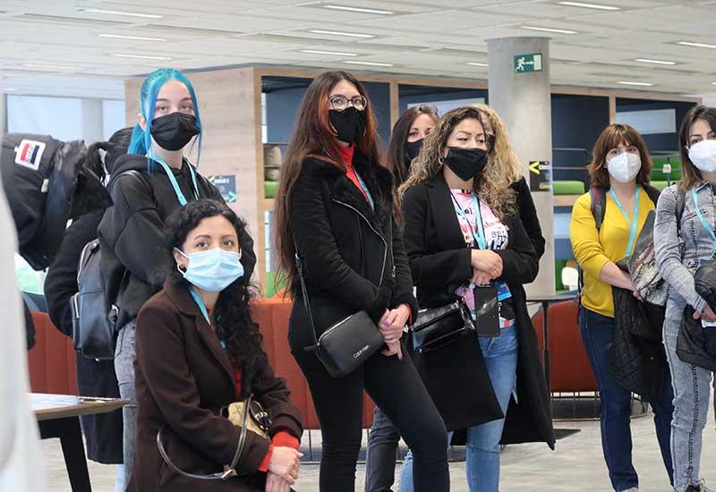 Lorena y otras alumnas durante el curso 'Programación Web'